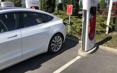 Des kilomètres gratuits ou des kWh gratuits aux superchargeurs?